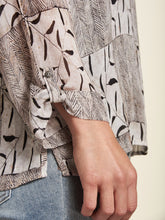 Load image into Gallery viewer, Sand Printed Blouse