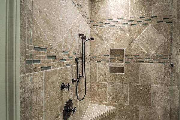 Handy tips on how to clean bathroom tiles and grout