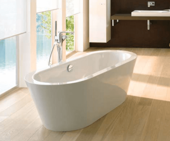 Bette Starlett Flair Oval Silhouette Freestanding Bath