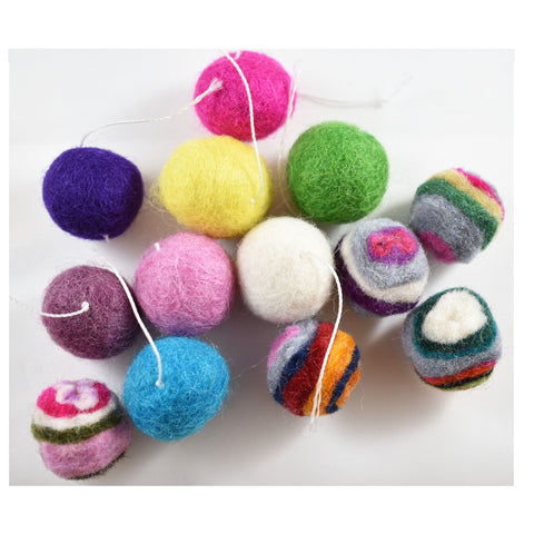 Cat Nepal Balls (assorted colors)