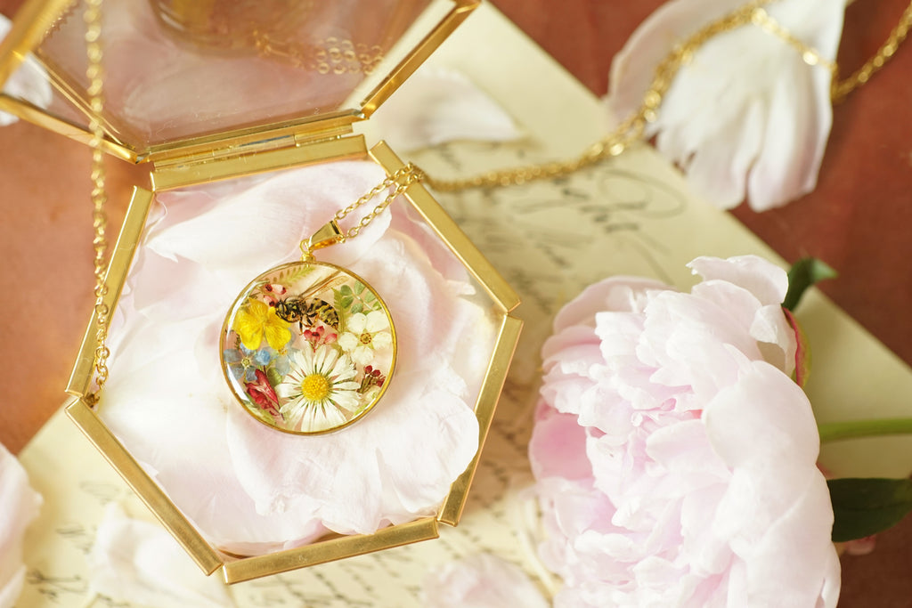 'WHISPERS OF PASSION' TREASURE LOCKET NECKLACE