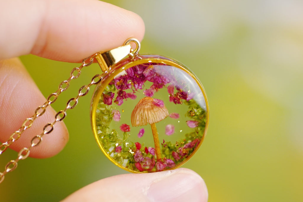 'RAIN OF PETALS' PETIT NECKLACE IN 14K GOLD FILLED