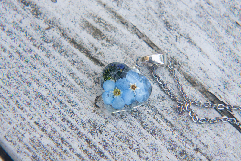 Pressed Forget me not necklace / Real Forget me not Flower necklace / Dried flower jewelry / Resin necklace / Resin jewelry / Christmas gift
