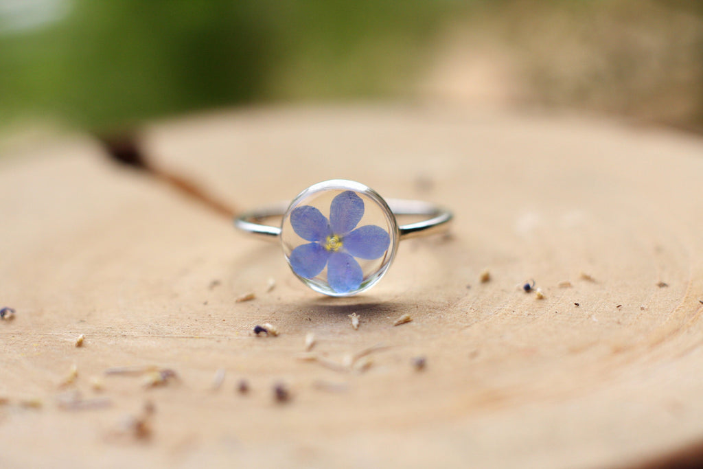 Forget me not ring / Pressed forget me not flower ring / Christmas gift / Terrarium ring / Real flower ring / Resin jewelry / Christmas gift