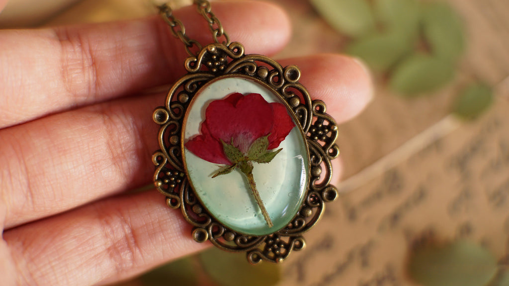 Rose necklace, Real flower necklace, Pressed flower jewelry, Red rose necklace, Christmas gift, Romantic Anniversary Gift, Gift for her