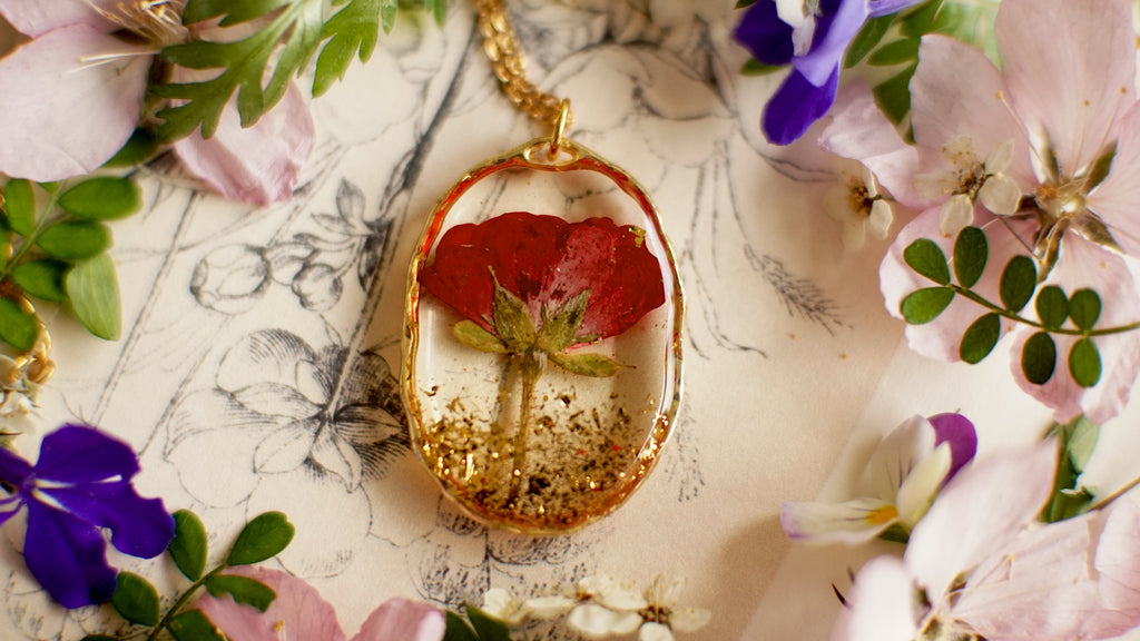 Red Rose necklace, Real flower necklace, Christmas Gift, Pressed flower jewelry, Resin jewelry, Romantic Anniversary Gift, Gift for her