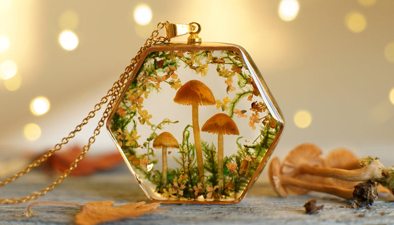 Real Mushroom necklace / Terrarium necklace / Resin necklace / Resin jewelry / high end luxury necklace / Bridal jewelry / Valentine Gift