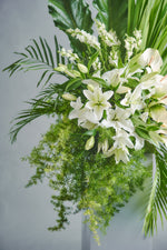 Load image into Gallery viewer, Eternity (Pedestal) - Spruce Florals & Events