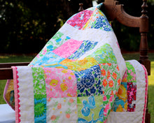 Load image into Gallery viewer, Lilly Pulitzer Print Small Quilt