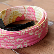 Load image into Gallery viewer, Floral Damask Camera Strap