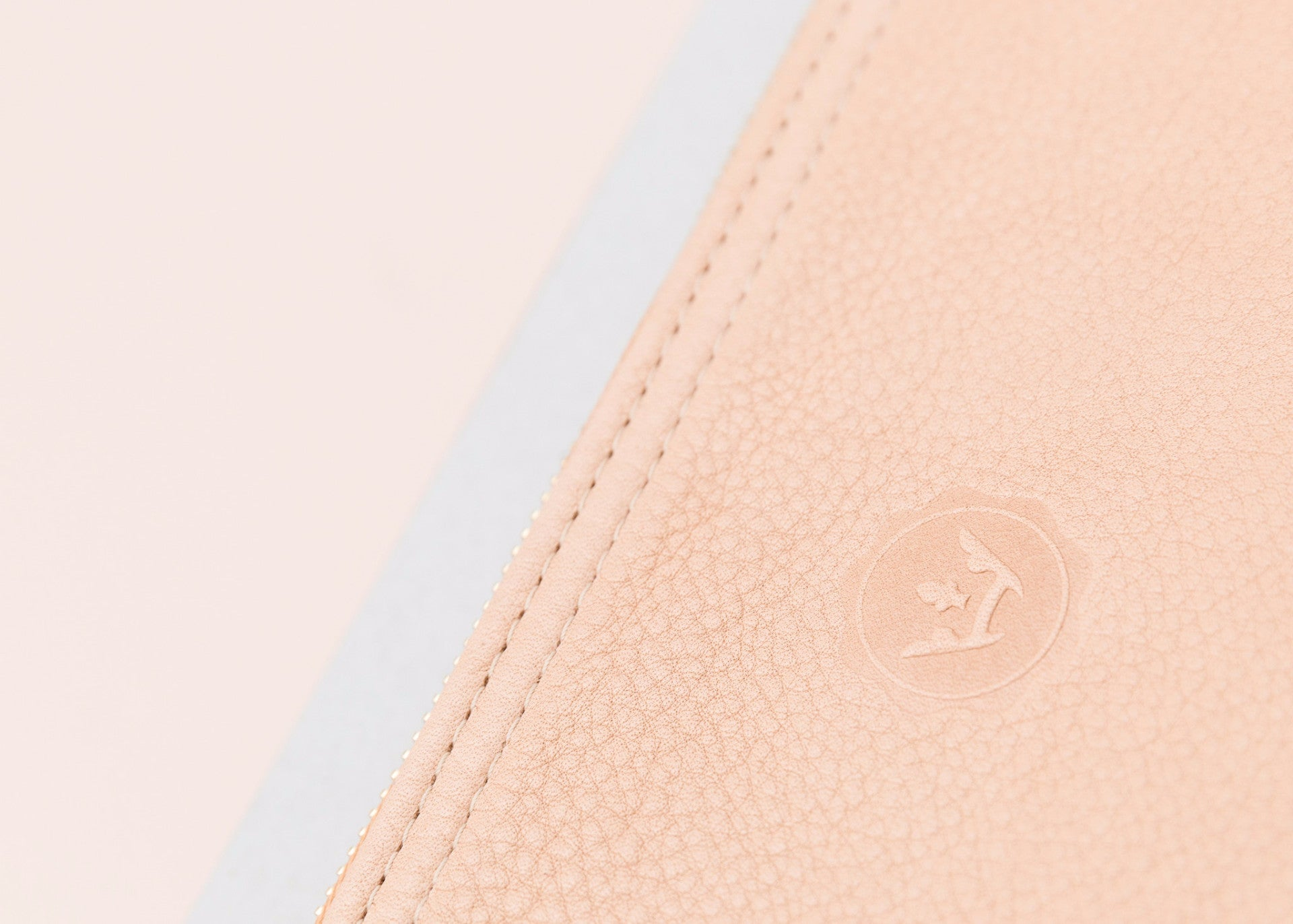 Highsnobiety x EARLY - Leather Pouch