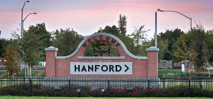 image of signing saying welcome to Hanford
