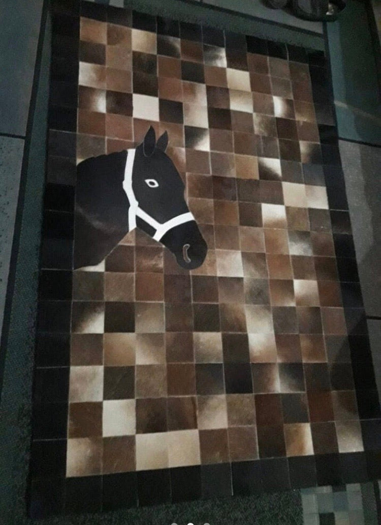 Cowhide rug- 'Horse head' - Outback Creative Gifts