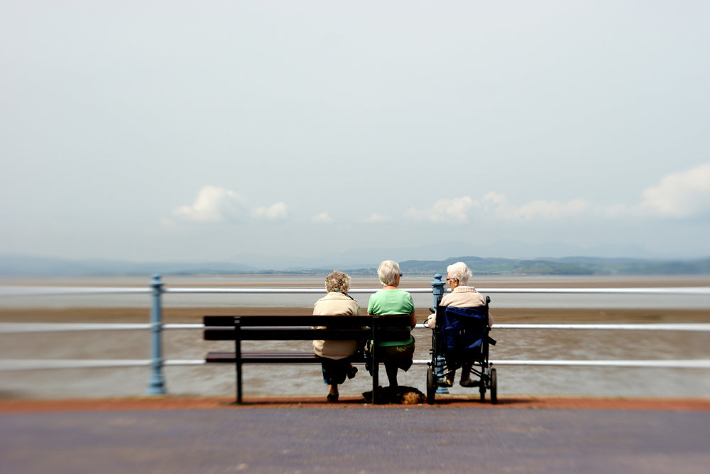 three old ladies on a bench Lensbaby Creators Janet Broughton