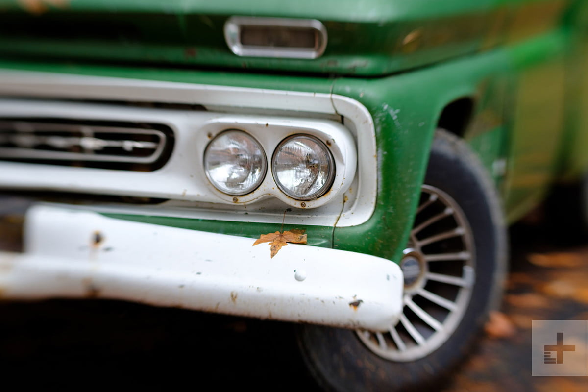 Old antique green and white truck front headlights Lensbaby Sweet 80 Review
