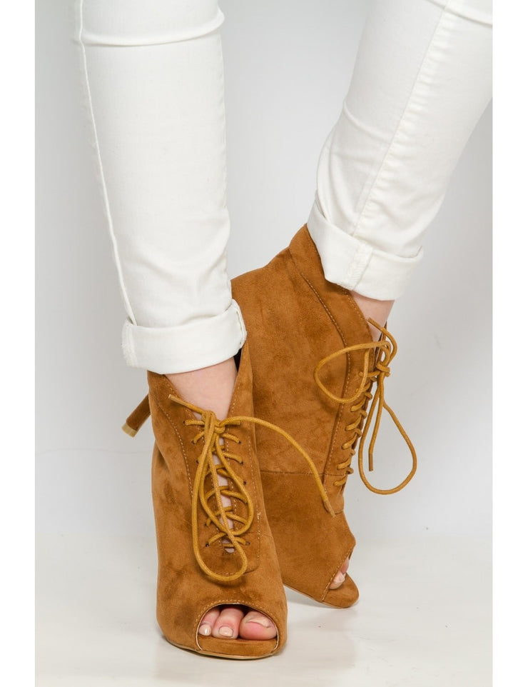 Bottines peep toes camel