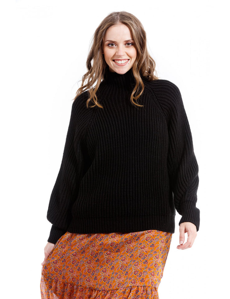 PULL COURT NOIR A MAILLE