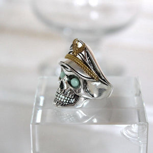 Glowing Skull Ring Ring casetent 9 / Silver