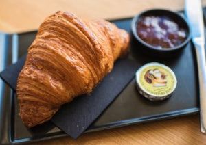Born + Bread croissant (4 Pack)