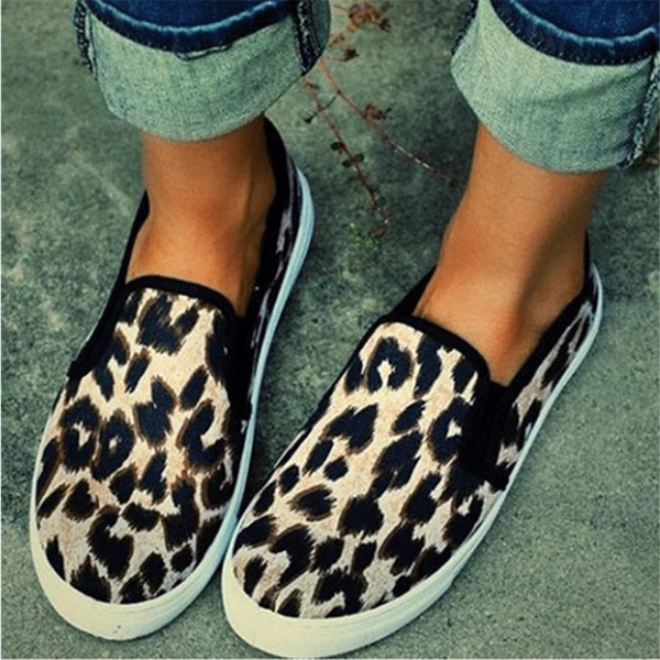 Low-Cut Upper Round Toe Elastic Band Leopard Canvas Sneakers