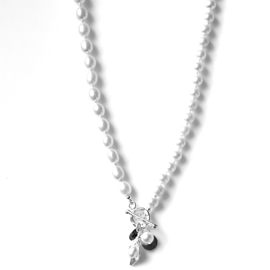 Australian Handmade White Pearl Necklace with Fob