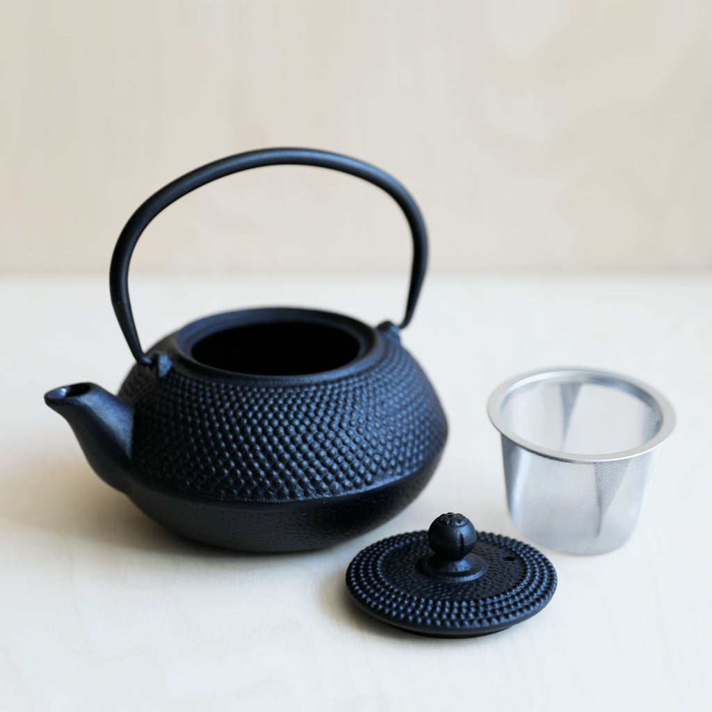 Black Cast Iron Teapot Hobnail – 0.6l