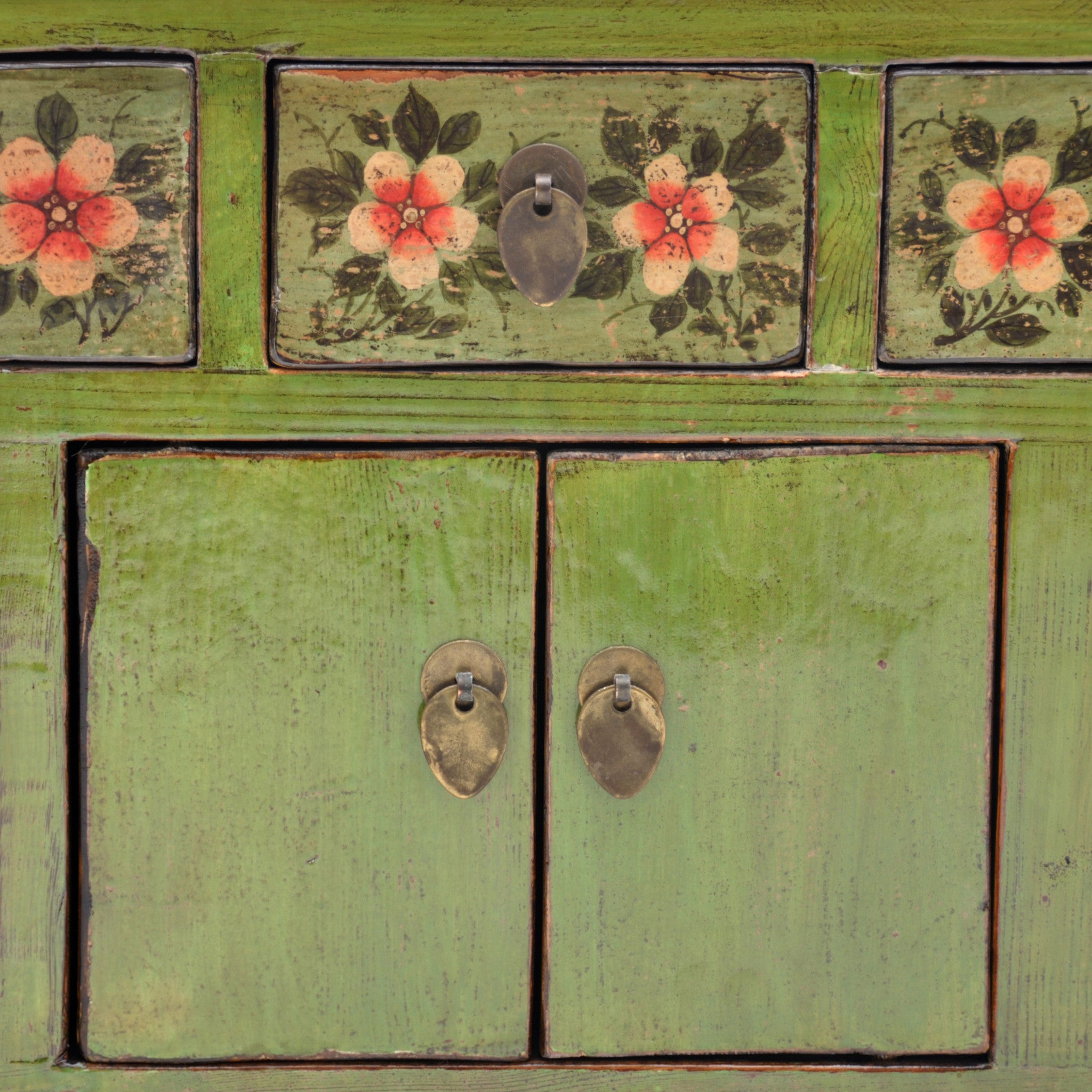 Low Green Chinese Sideboard with Red Flowers surface detail