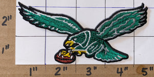 "1 GREEN PHILADELPHIA EAGLES 4 1/2"" NFL FOOTBALL PATCH"