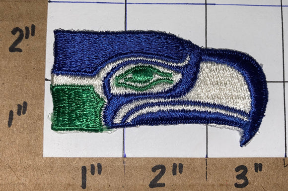 1 SEATTLE SEAHAWKS OLD NFL FOOTBALL SEAHAWKS JERSEY PATCH LOGO