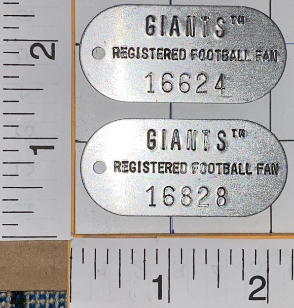 2 NEW YORK GIANTS NFL FOOTBALL FAN METAL TIN DOG ARMY TAGS TAG KEYCHAIN LOT