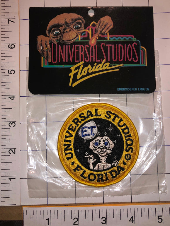 EXTRA-TERRESTRIAL ET E.T. ALIEN UNIVERSAL STUDIOS FLORIDA EMBROIDERED PATCH MIP