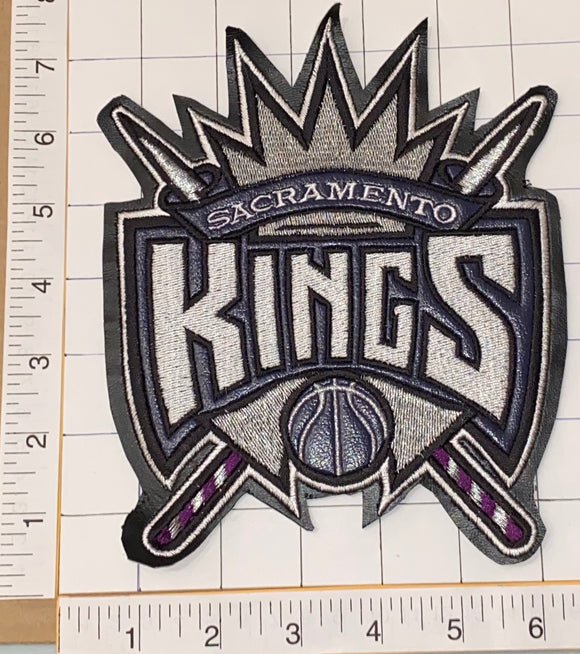 1 VINTAGE SACRAMENTO KINGS NBA BASKETBALL 7.5