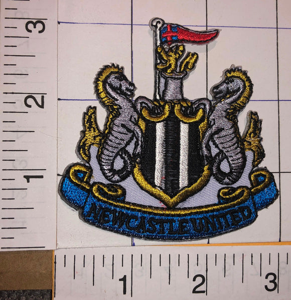 NEWCASTLE UNITED F.C. ENGLISH FOOTBALL CLUB PREMIER LEAGUE SOCCER CREST PATCH