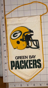"GRENN BAY PACKERS OFFICIALLY LICENSED NFL FOOTBALL 10"" PENNANT RAYON BANNER"