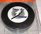 1 VINTAGE OFFICIAL LICENSED TAMPA BAY LIGHTNING NHL HOCKEY PUCK TRENCH MFG MIP