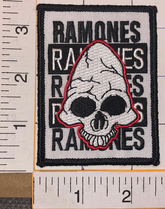 THE RAMONES AMERICAN PUNK ROCK MUSIC BAND CONCERT PATCH