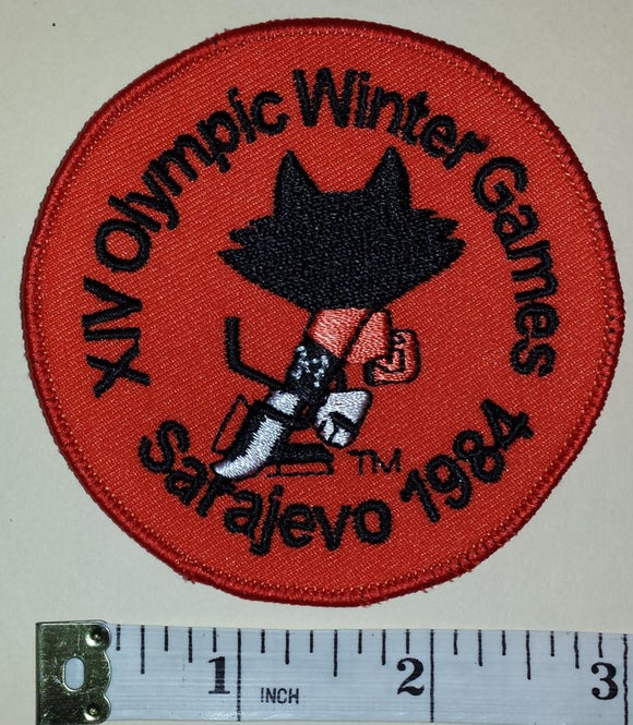 1 VINTAGE 1984 SARAJEVO XIV WINTER OLYMPICS HOCKEY EMBLEM CREST PATCH