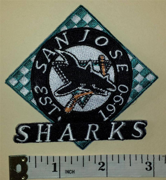 1 SAN JOSE SHARKS 1990 - 91 INAUGURAL RACING FLAGS NHL HOCKEY BADGE CREST PATCH