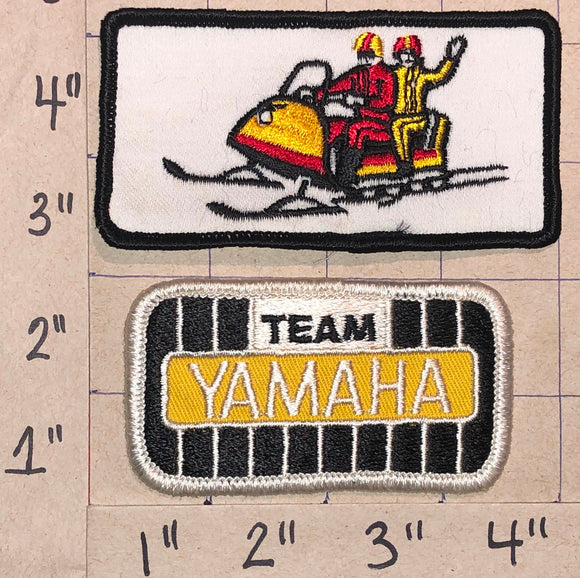 2 RARE VINTAGE YAMAHA SKI DOO SNOWMOBILE SNOWMOBILES WHITE CREST PATCH LOT
