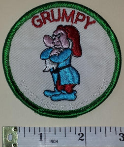1 VINTAGE WALT DISNEY PRODUCTIONS SNOW WHITE GRUMPY DWARF CREST EMBLEM PATCH