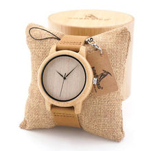 Load image into Gallery viewer, BOBO BIRD Men Natural Wood Bamboo Watches Women Vintage Wooden Male Ladies Watch With Leather Band in gift box custom logo
