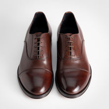 Load image into Gallery viewer, Brown Classic Lace-up Oxford