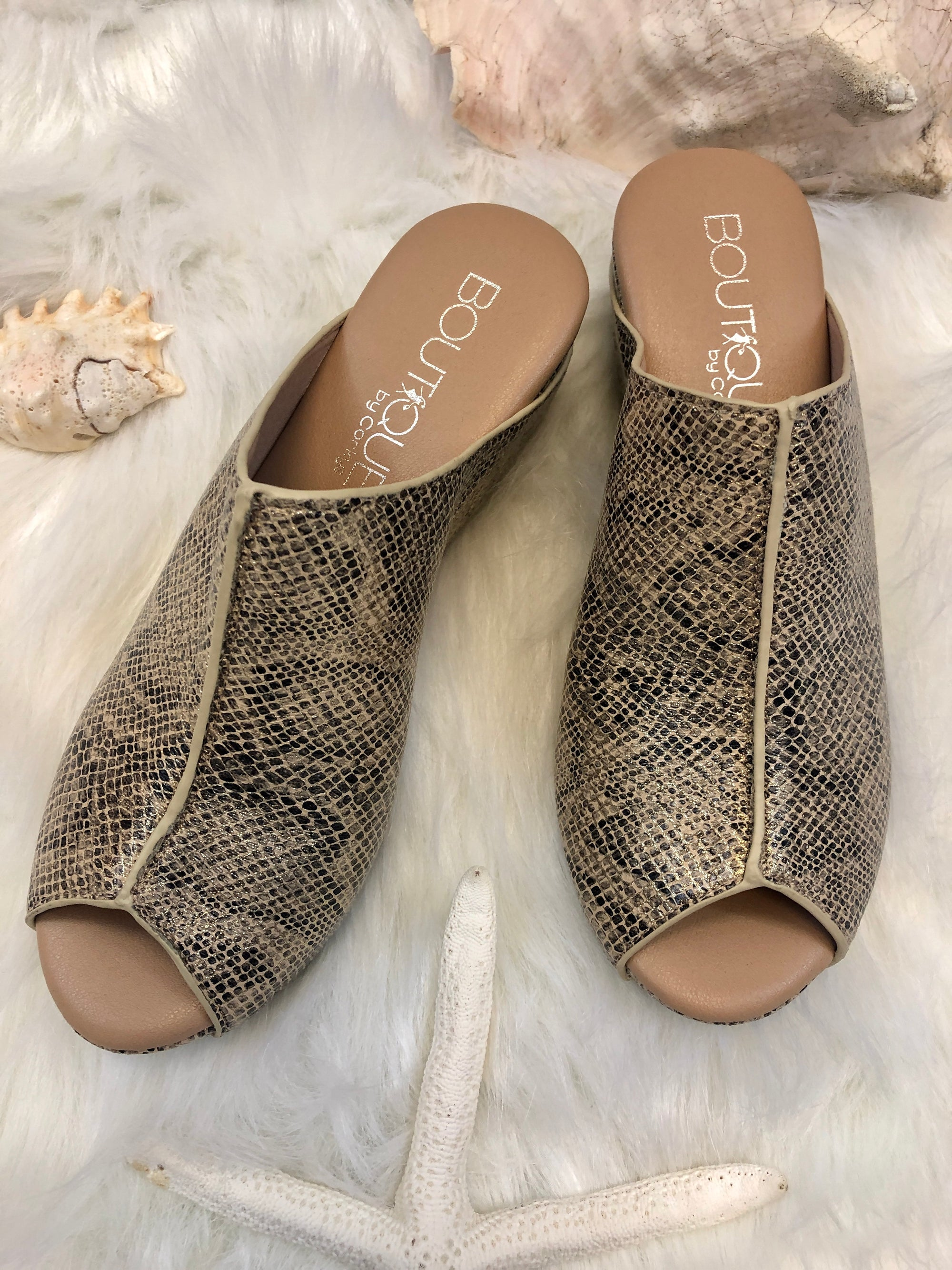 Wedge  sandal Shoe Gold Snake