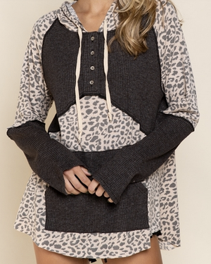 Spotty Leo on Mix Hoodie Knit Top