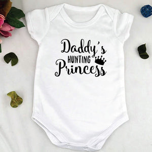 "Baby girls ""Daddy's Hunting Princess"" Outfit"