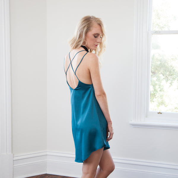 RUMI CROSS BACK SILKY SLIP DRESS-Emerald