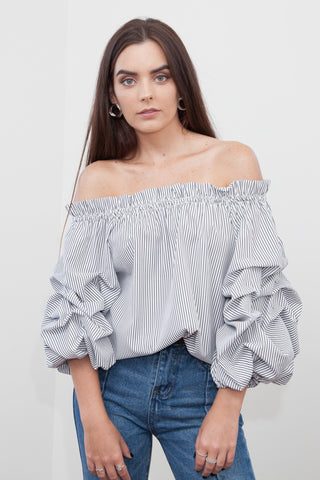 Donna Off Shoulder Ruffles Top
