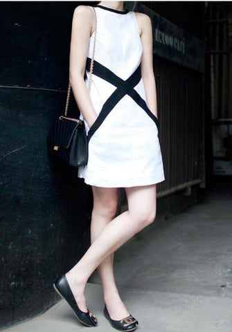 Cross Canvas Monochrome Dress -White