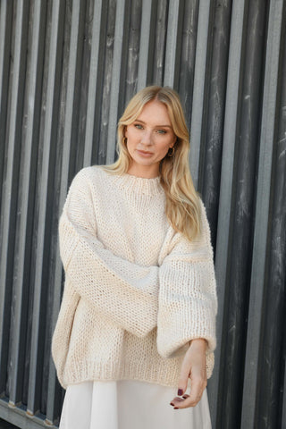 DESIREE OVERSIZE MERINO WOOL JUMPER- PEARL