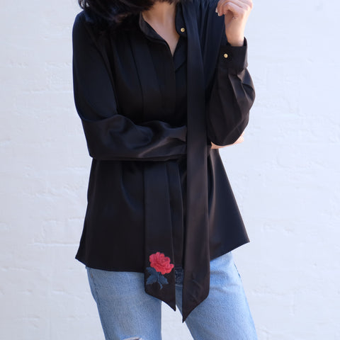 VANDA ROSE SILKY SHIRT-BLACK